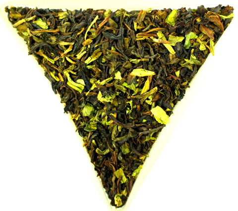 India Nilgiri Thiashola SFTGFOP Grade 1 Organic Loose Leaf Black Tea Gently Stirred
