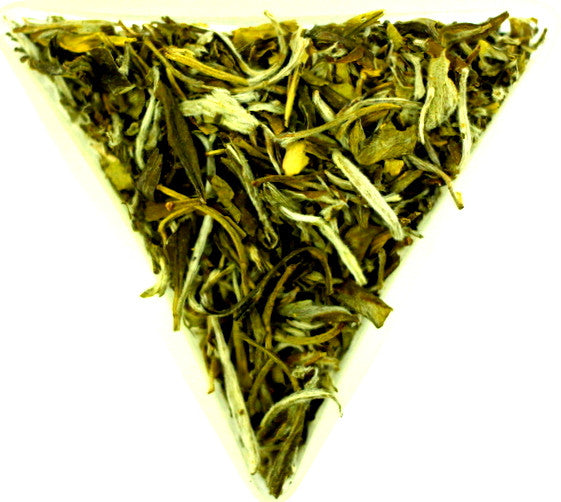 Lu Mu Dan Chinese Green Tea Loose Leaf Special Rare and Unusual Extra Healthy Green Tea Gently Stirred