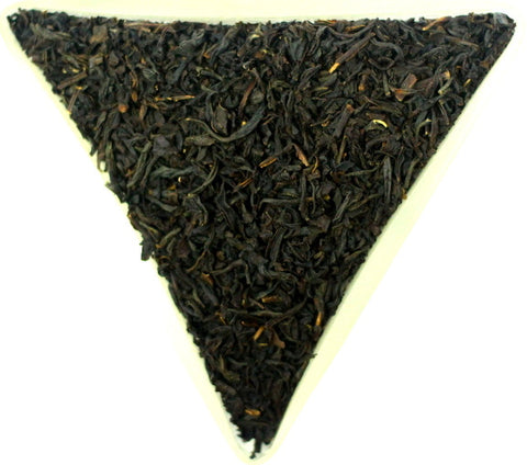 Vietnam Orange Pekoe Black loose Leaf Tea Gently Stirred