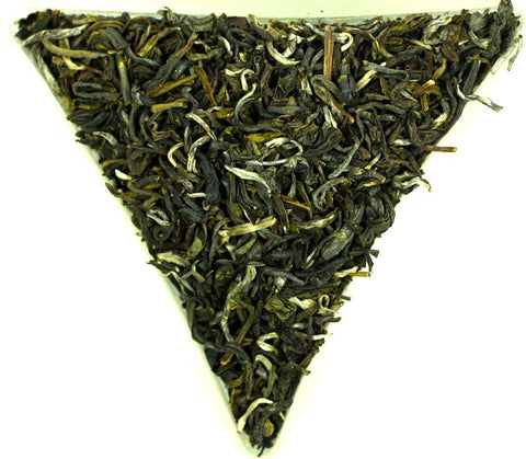 Vietnam Tau Chua-Lai Chau FOP Green Organic Tea Gently Stirred