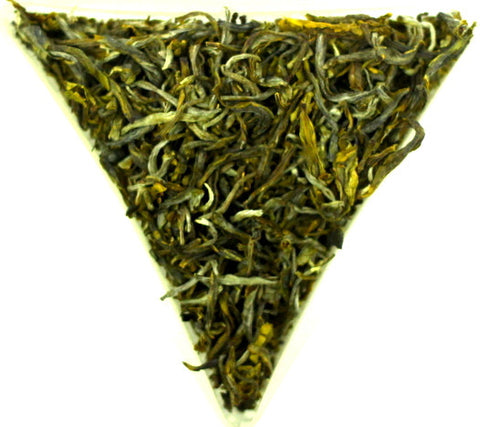 Yunnan Special White Leaf Tea Gently Stirred