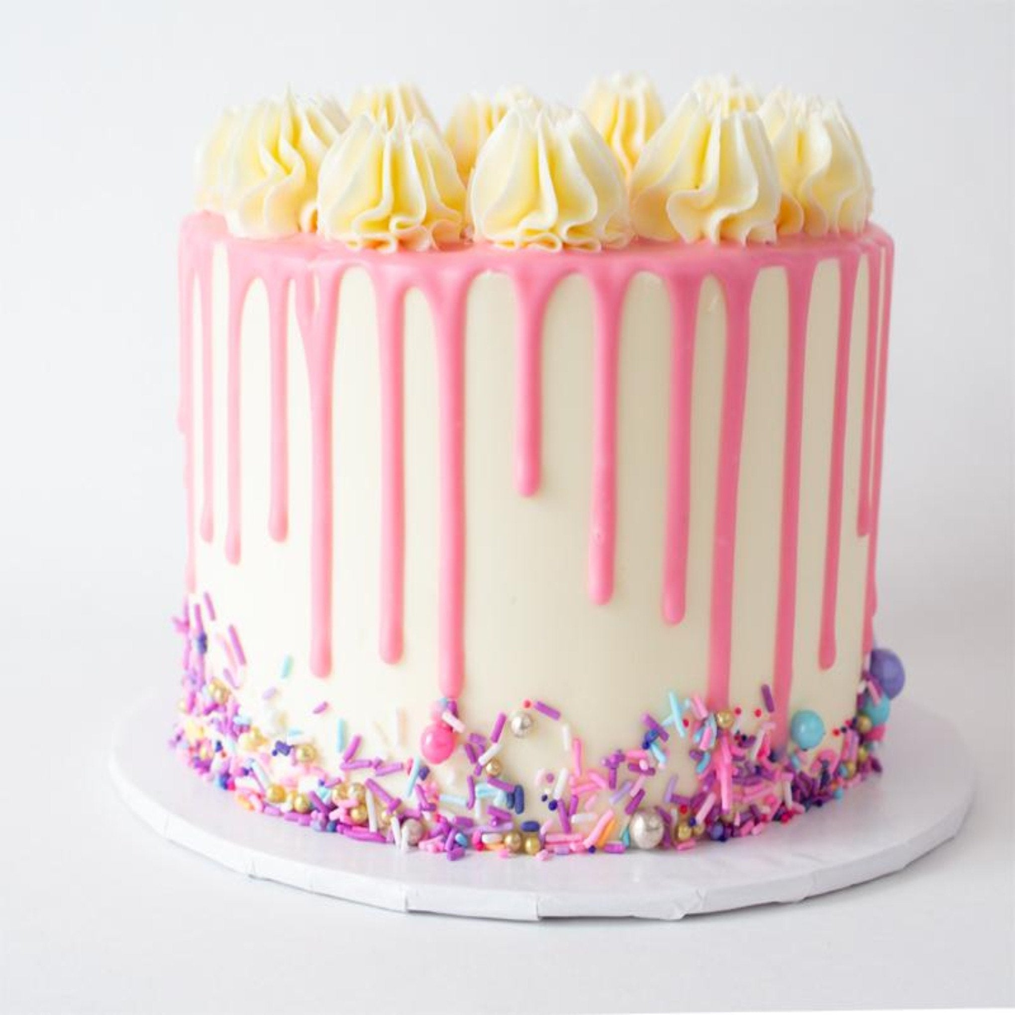 Pleasant Cake Royale Mississaugas Best Cakes And Desserts Personalised Birthday Cards Akebfashionlily Jamesorg