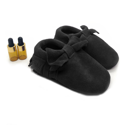 Black Bow Diffuser Moccasins