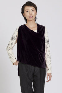 Made in NYC: Transformable Vest/Scarf (Black) Style 143