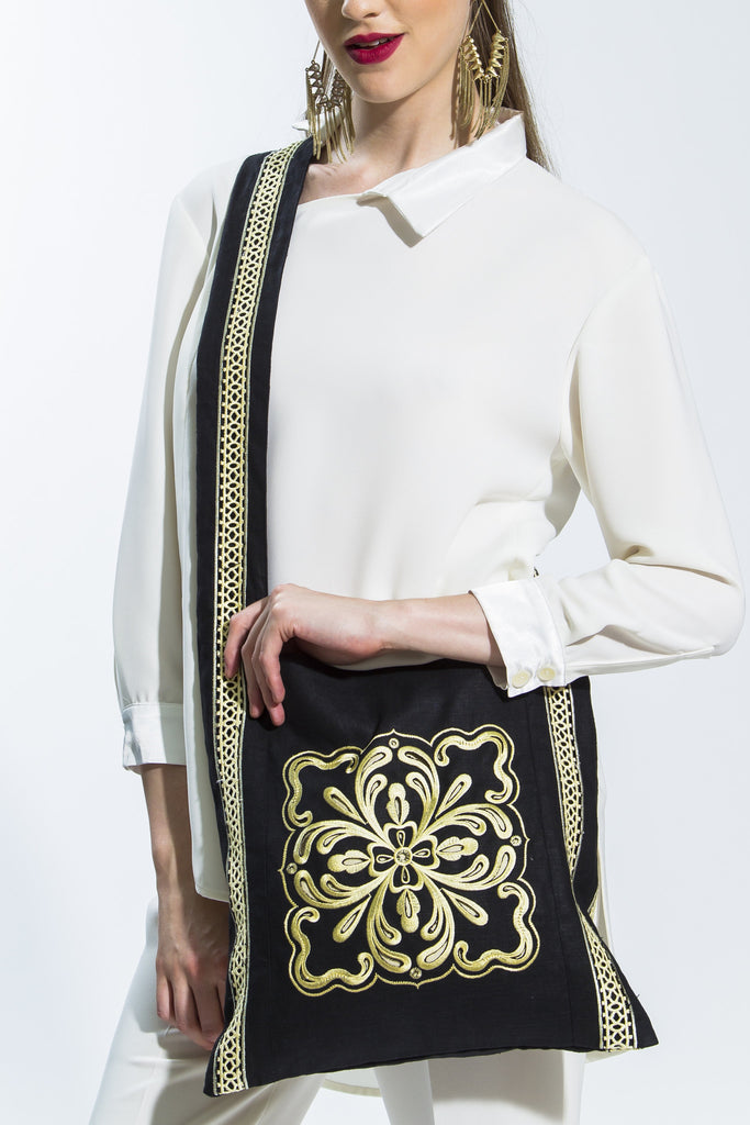 Black & Beige Embroidered Lama Shoulder Bag Style L101