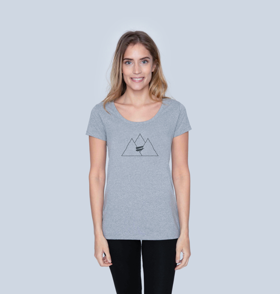Summit Scoop Tee in Navy - Women's