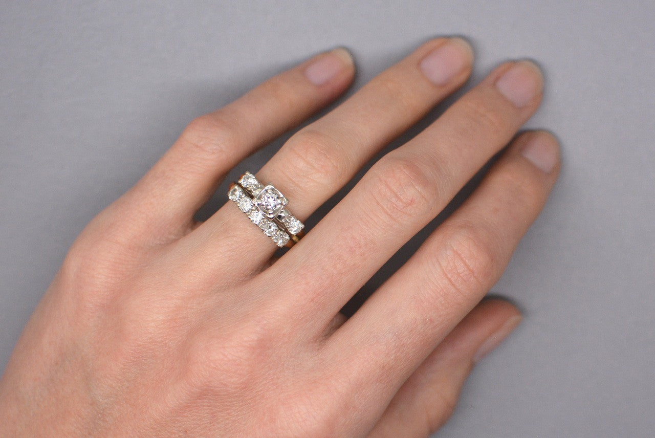Antique 1940s 102 ctw Diamond and 14K Gold Engagement Ring