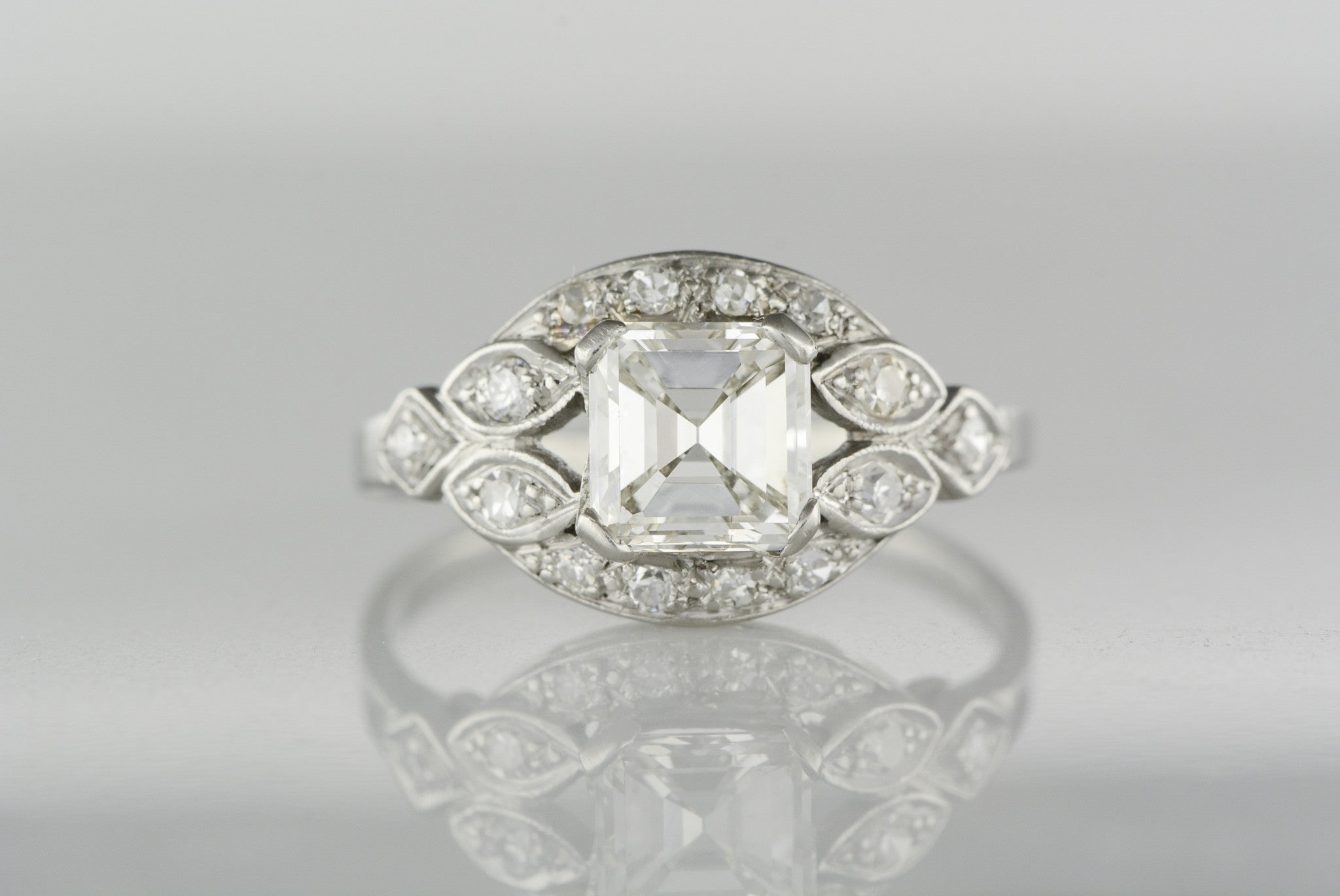 carat certified shank front h with engagement in ring asher platinum cut laying diamond pave preset gia asscher halo