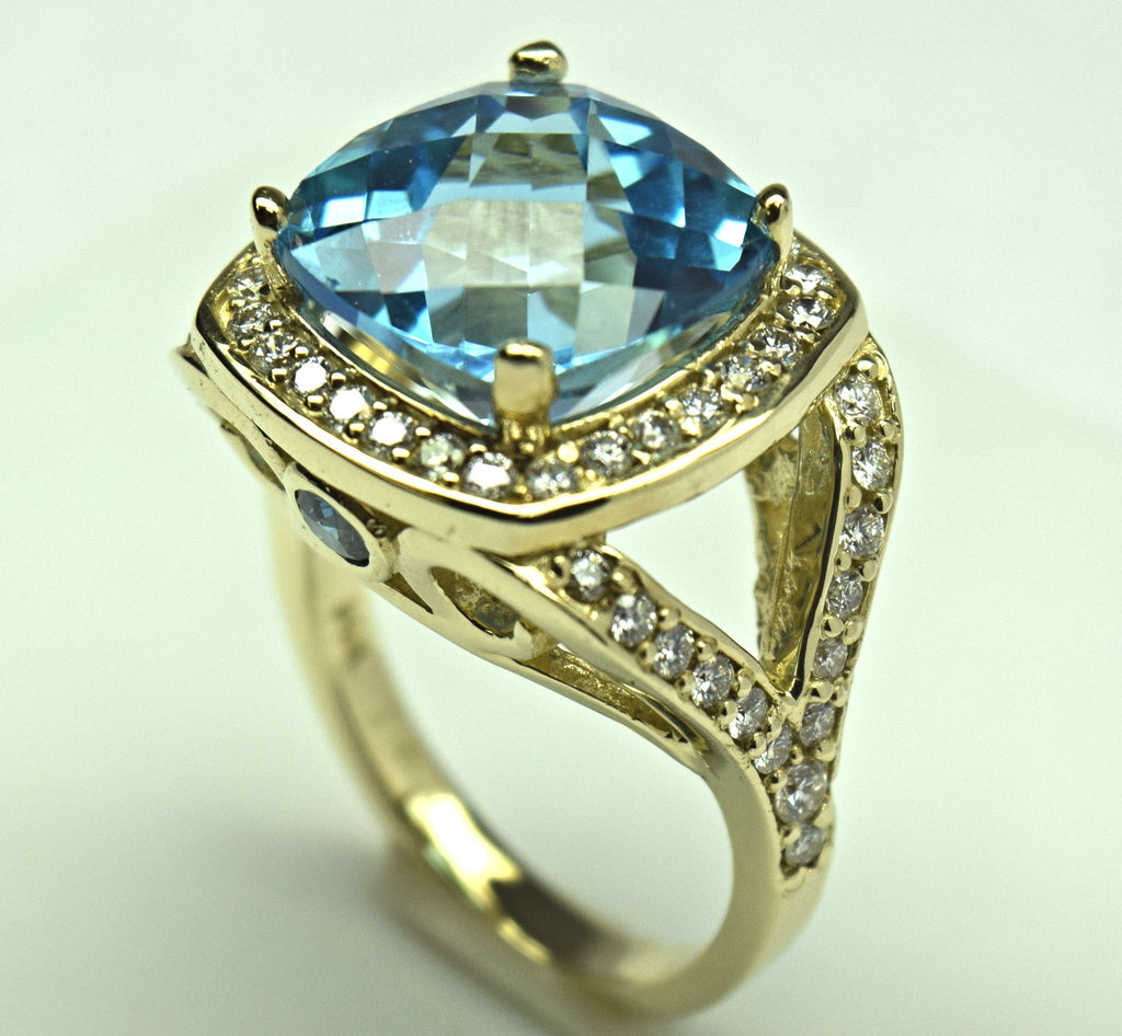Yellow Gold Blue Topaz Ring