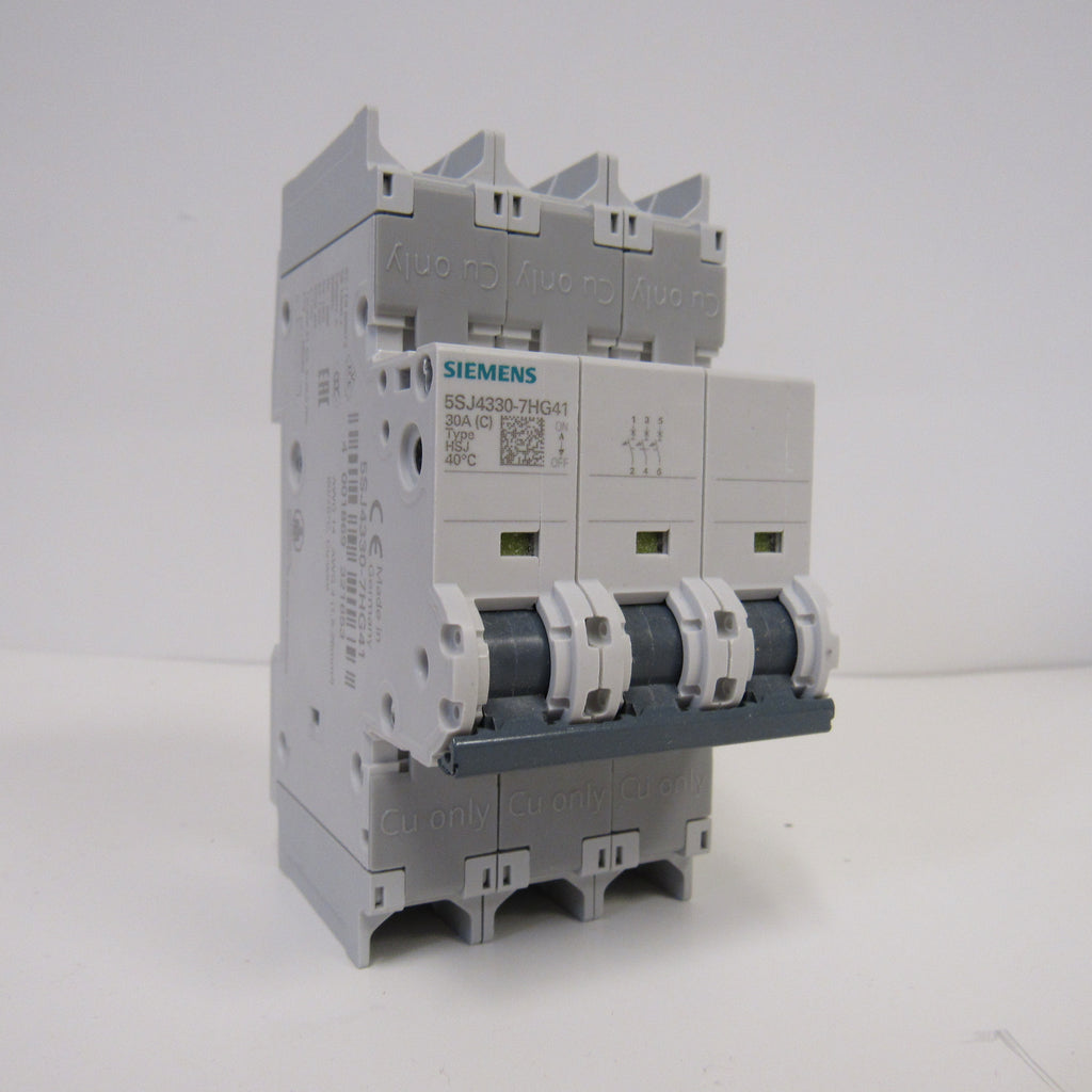 Siemens 5SJ4318-7HG41 Mini Circuit Breaker - 3 Pole - 240 V - 15 Amp