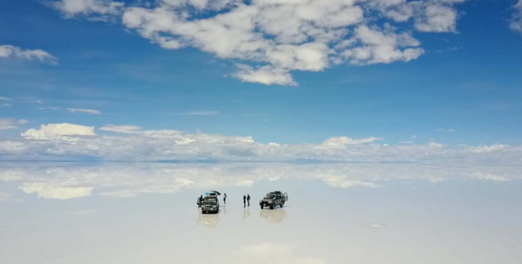 Ah! The floor is mirrors! - The largest salt flat in the world