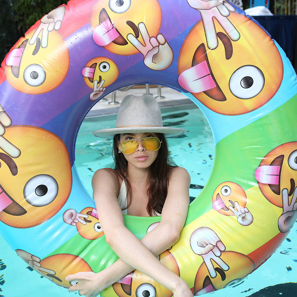 donut pool inflatable emoji
