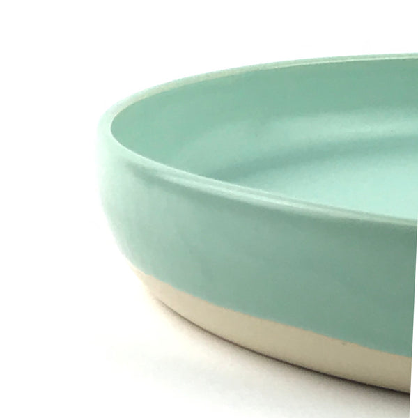 Flat Bowls in White Stoneware