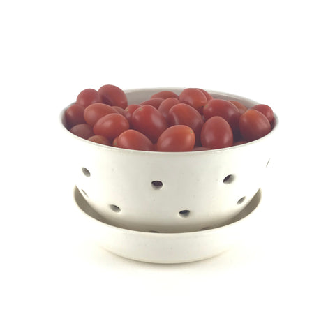 Berry Bowl Set in White Stoneware