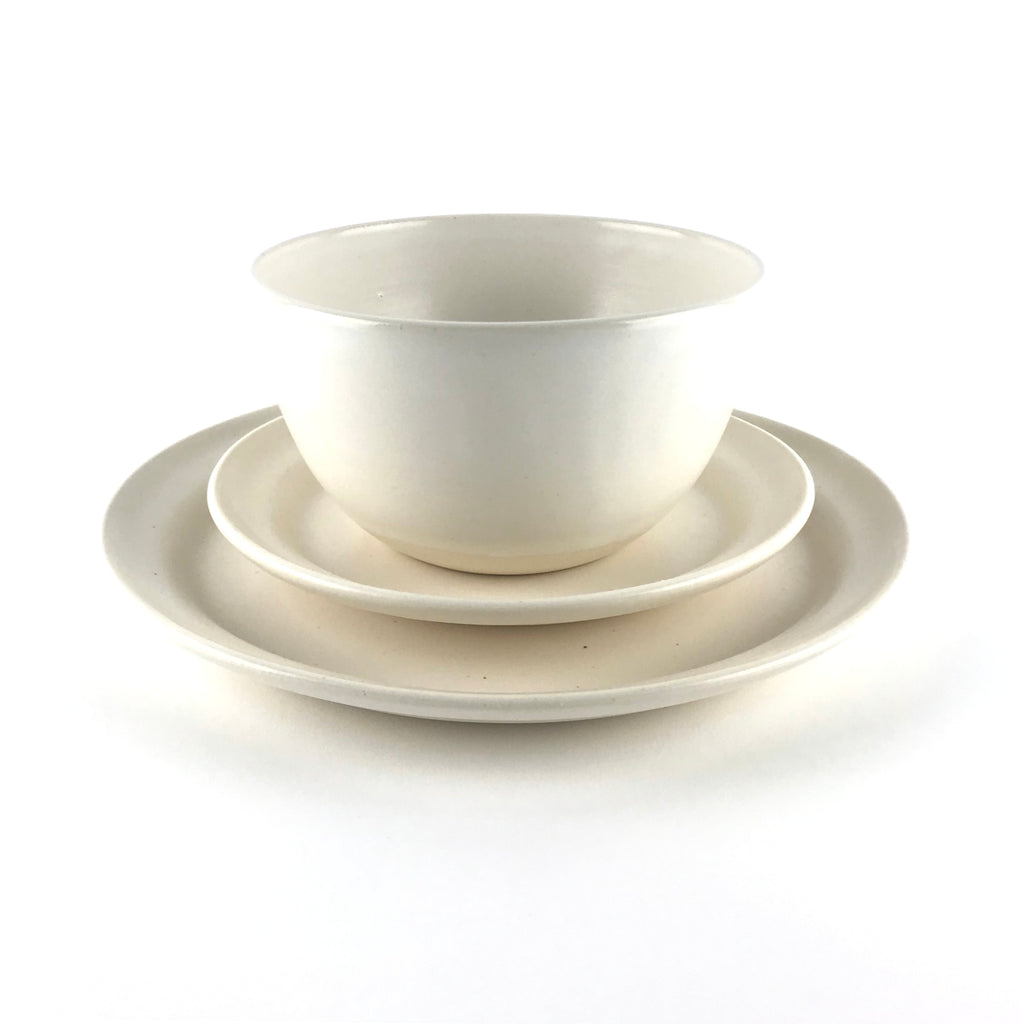 Dish Set in White Stoneware