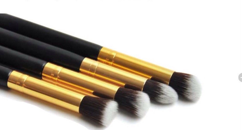 4pc Professional Eyeshadow,Foundation Blending Brush Set.
