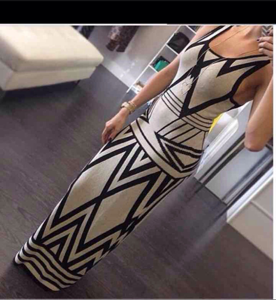 Geometric Pattern Printed Maxi Dress