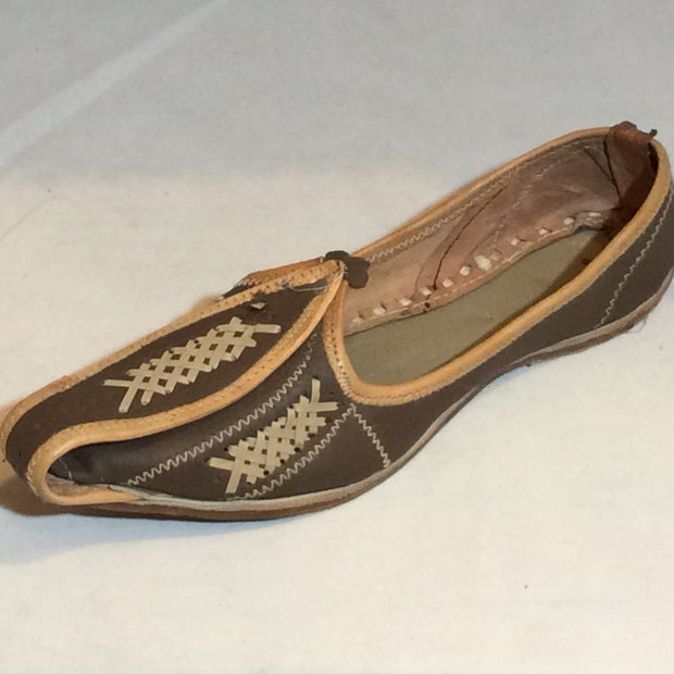 Pointed Moccasin Rajasthani sandal