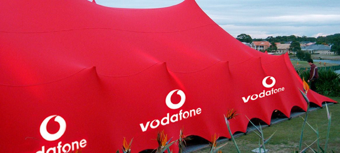 Branded stretch tents