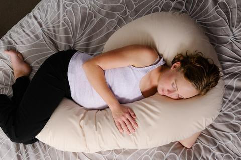 5 Good Reasons Why You Should Use a Pregnancy Pillow