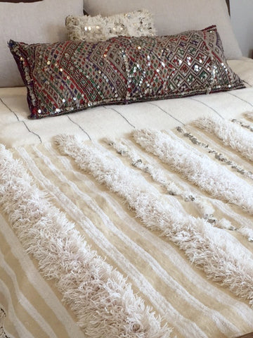 VINTAGE MOROCCAN WEDDING BLANKET 117cms x 255cms