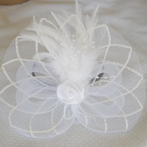 Cute White Fascinator - Fascinator