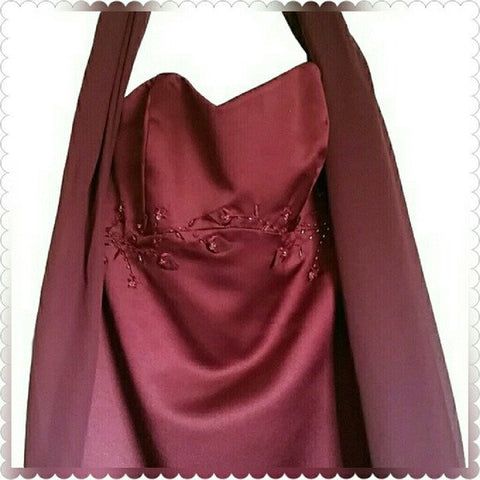 Beautiful Wine color Strapless Formal Dress/Gown w scarf Size 4 - formal gown