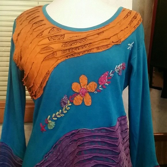 Womens Beautiful Hand Crafted Sweater. One Size Fits Most - sweater