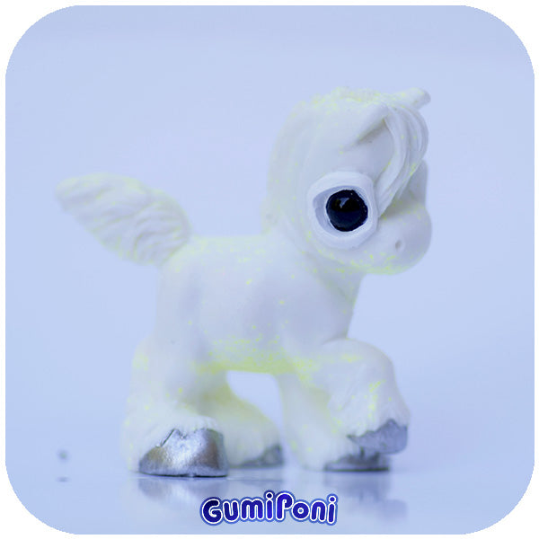 White with Neon Glitter GumiPoni