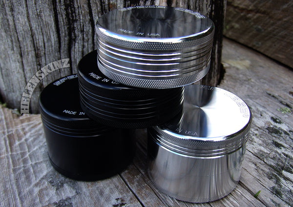 Space Case Medium Herb Grinder - 4pc - Helenskinz NZ Vape Shop
