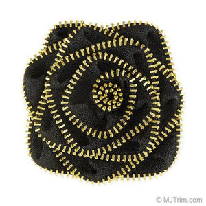 This rosette looks fabulous on the Metro Leopard Bag!
