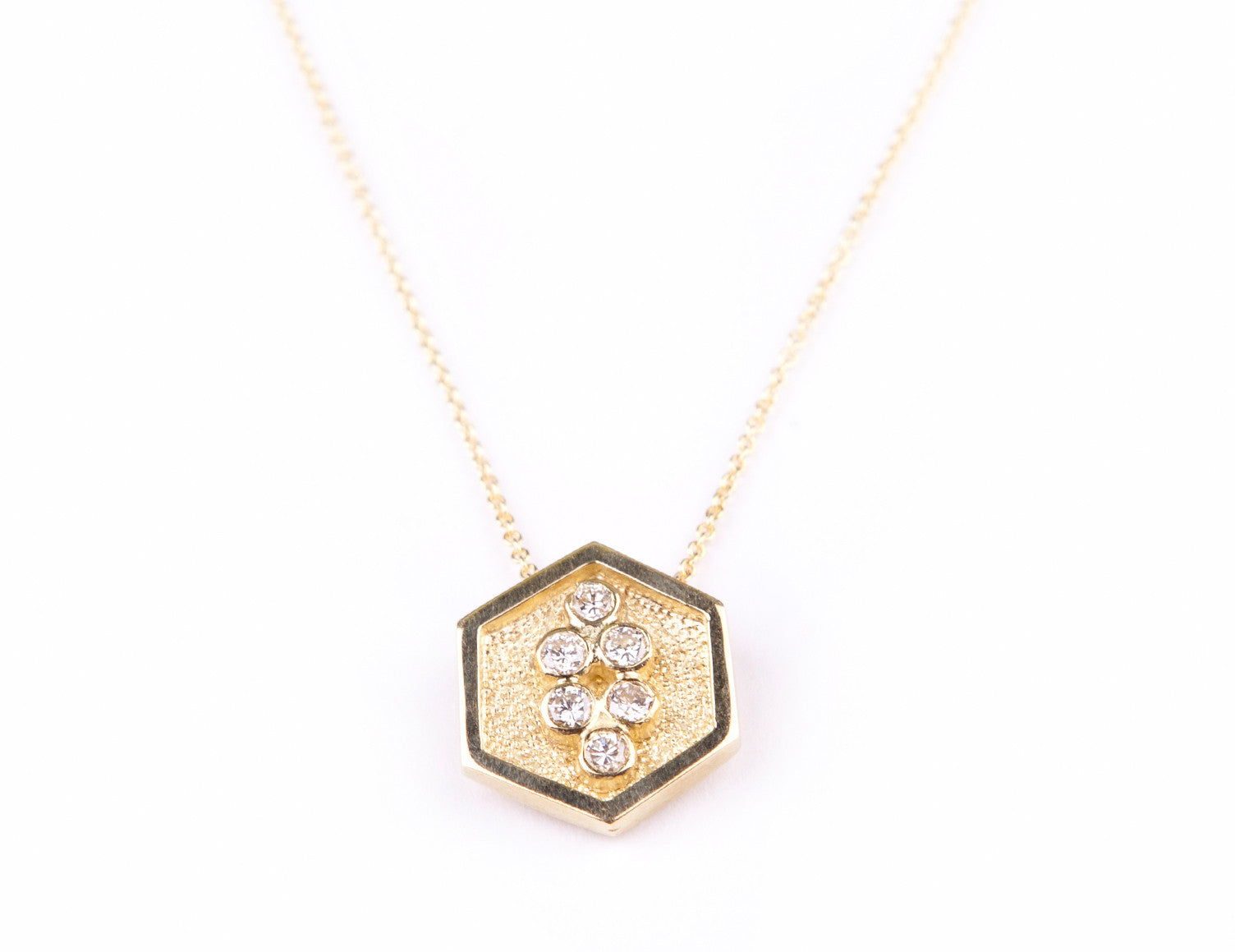SMALL HEXA PENDANT WITH CHAIN