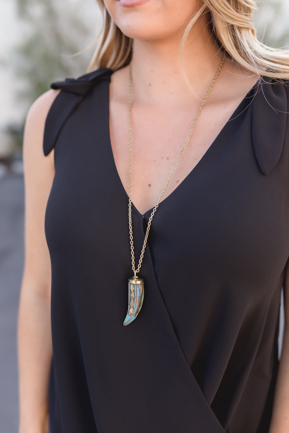 VERA BOHEMIAN PENDANT DROP NECKLACE