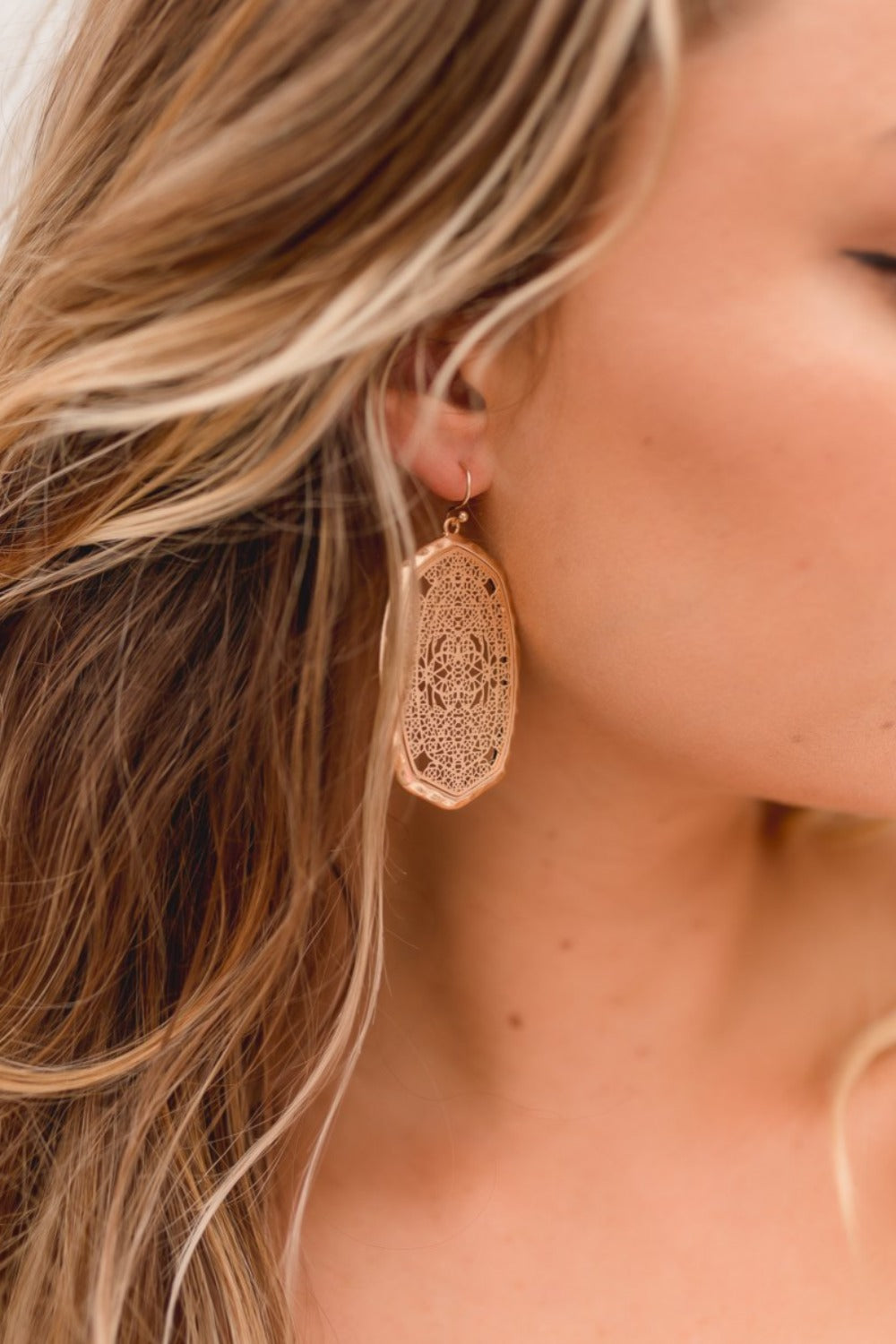 CHRISSY HAMMERED GOLD EARRINGS