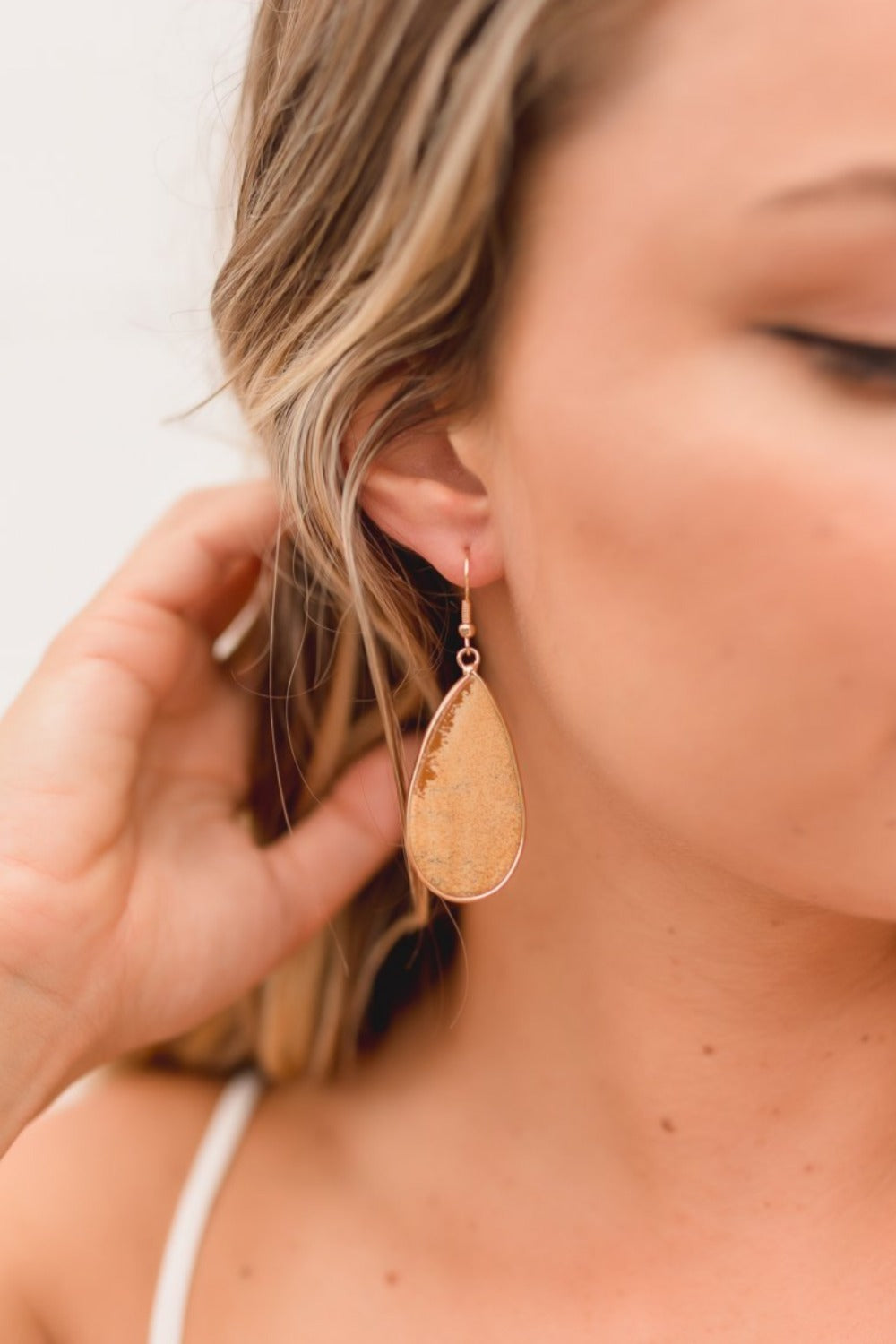 DAWN SEMI-PRECIOUS STONE EARRINGS | TAN