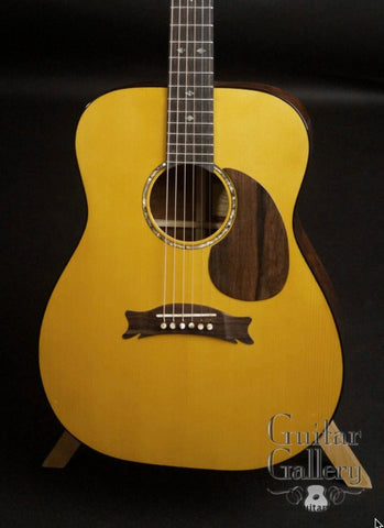 Hewett Guitars at Guitar Gallery