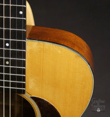 1934 Martin 000-18 guitar upper bout