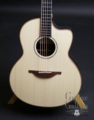 Lowden Winter 2017 Ltd Ed Bog Guitar