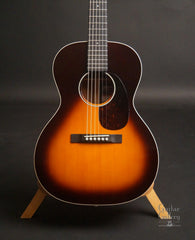 Martin CEO-7 guitar sunburst top