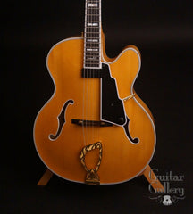 Guild Benedetto Artist Award Archtop Guitar top