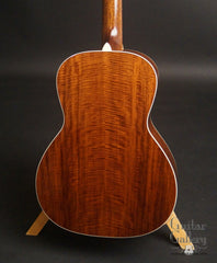 Bourgeois Custom L-DBO guitar figured Mahogany back