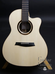 Noemi guitar with Italian spruce top