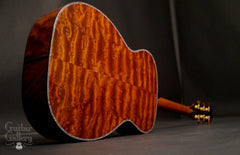 Osthoff OM The TREE Mahogany guitar glam shot back