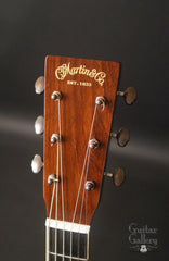 Martin SS-00L Art Deco guitar headstock