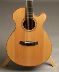 Laurie Williams kiwi guitar with Kauri Special Grade Top
