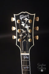 Gibson Doves in Flight guitar headstock