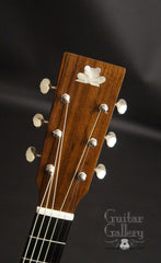 Froggy Bottom F12 guitar headstock