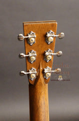 Greven 000-12v guitar headstock