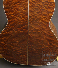 Huss & Dalton 000 guitar sapele back close