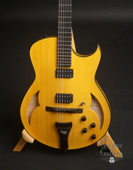 Marchione semi-hollow deluxe archtop carved top